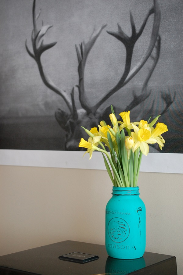 Painted mason jar flower vase