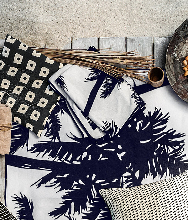 Palm tree motif blanket