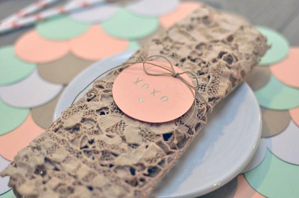 Paster paper medallion placemat DIY
