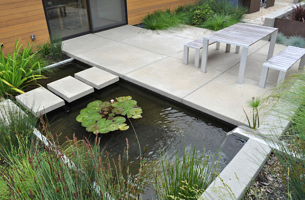 Garden ponds design ideas inspiration for Concrete fish pond construction and design
