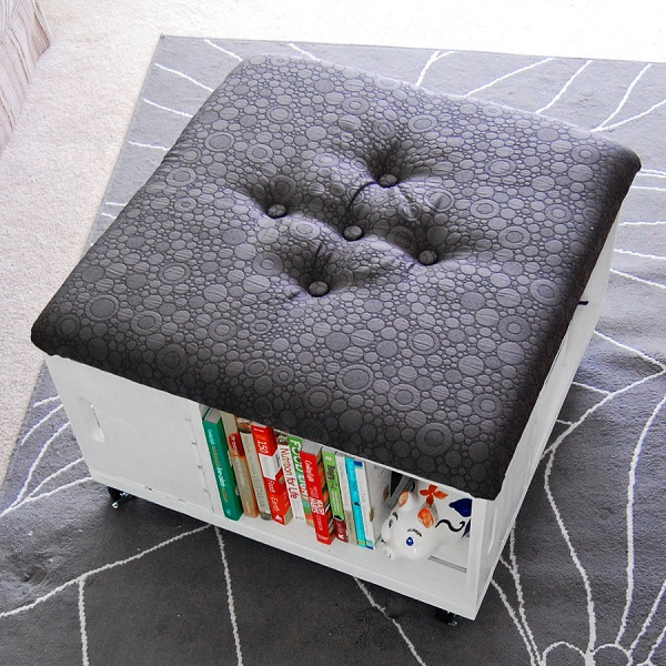 Rolling ottoman with side storage