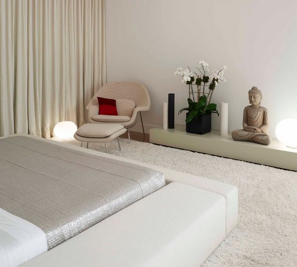 Tranquil and relaxed setting for the womb chair – A moment of serenity!
