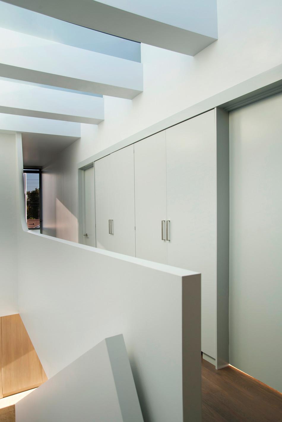 All White Interior Design Of The Homewares Designer Home: Contemporary Californian Residence Exudes Breezy