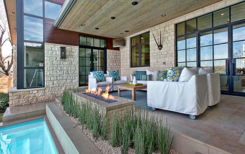 austin villa - modern patio