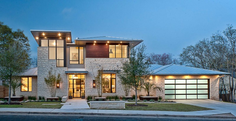 Contemporary Texas Residence Combines Antique Touches With