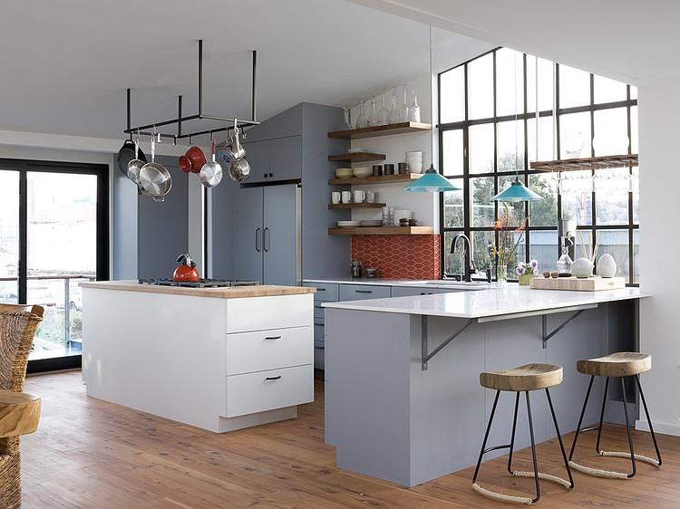 floating house - kitchen