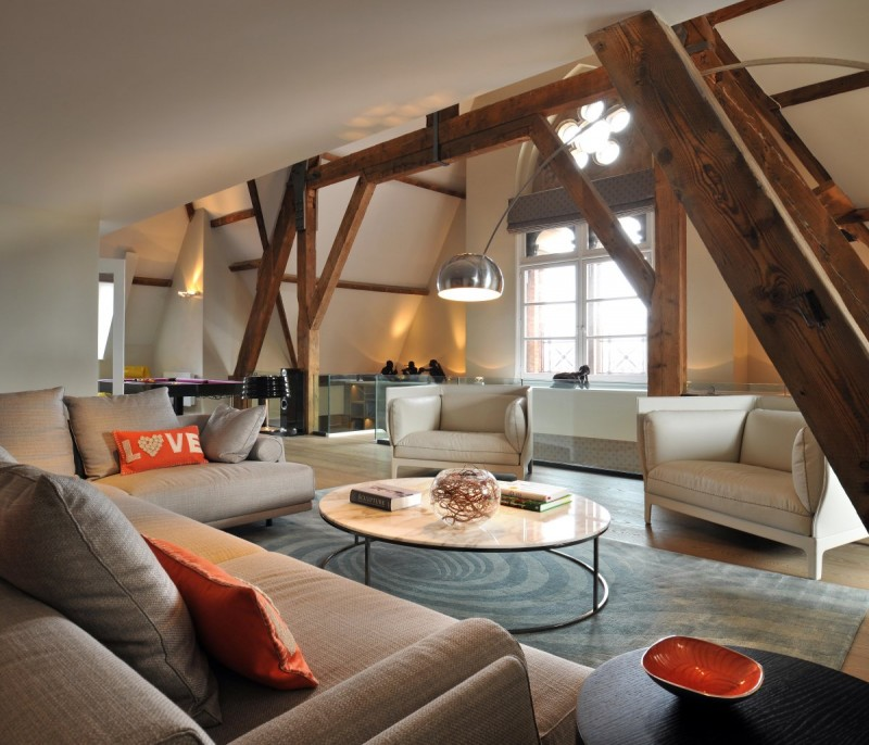 Revamped penthouse in st pancras chambers blends modern for Couch adventskalender