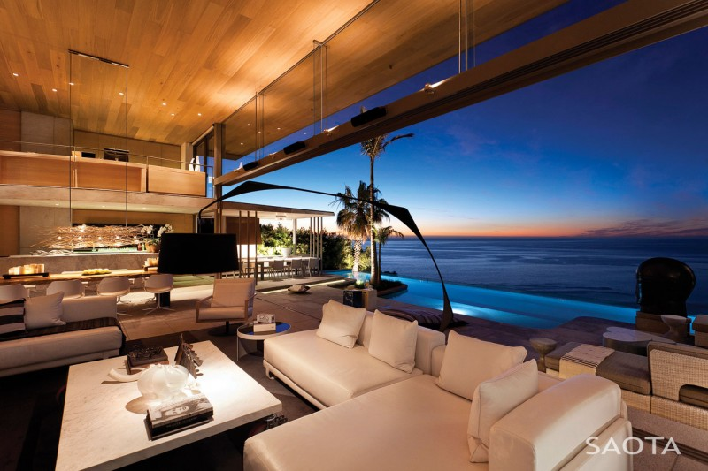 luxury home with sea view