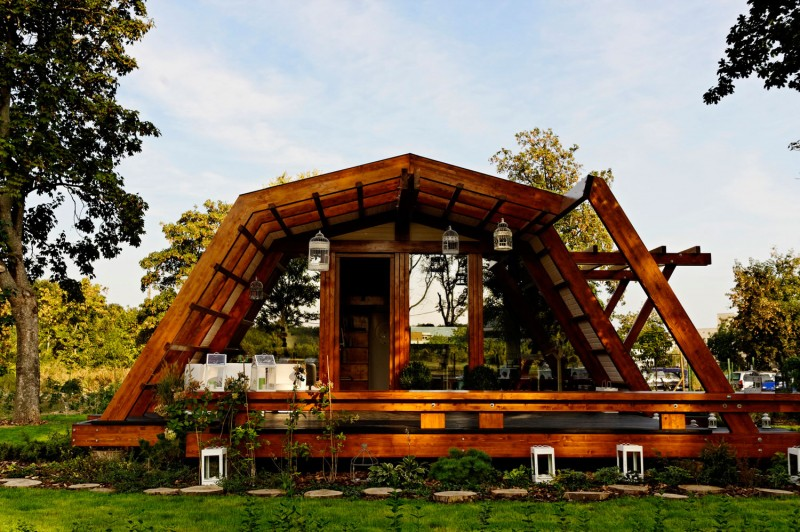 self-sustainable home architecture