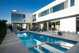 Contemporary Californian Residence Exudes Breezy Mediterranean Charm