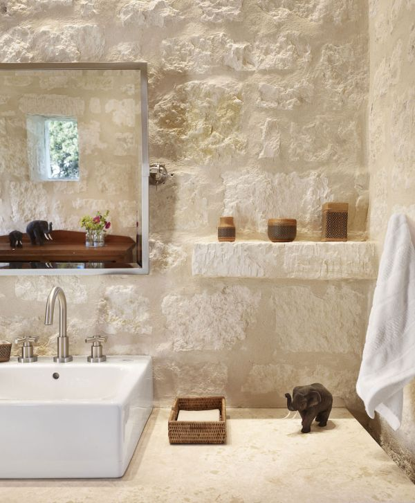 Accessories are kept simple in the Story Pool House