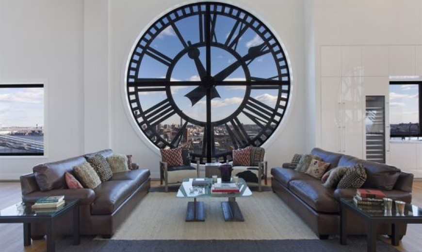 Striking Wall Clocks Can Give Your Home a Timeless and Dynamic Allure