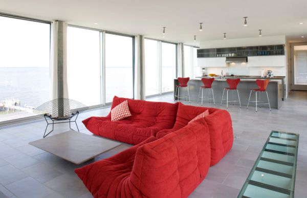 Bertoia Diamond Lounge chair gives the Togo company here!