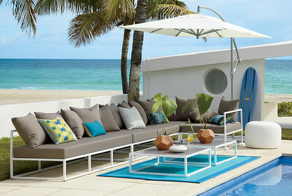 Blue indoor outdoor rug 20 Amazing Finds for Outdoor Living Spaces