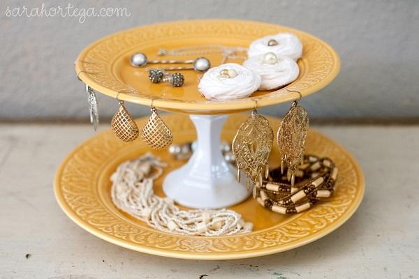 DIY cakestand jewelry organizer