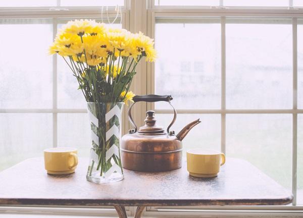 DIY vase with arrow design