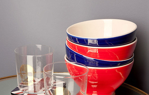 Dinnerware in red and blue