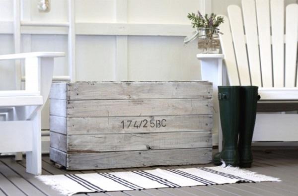 Driftwood crate DIY