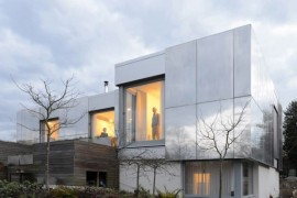 Sustainable Green UK Home Combines Smart Technology And Contemporary Design