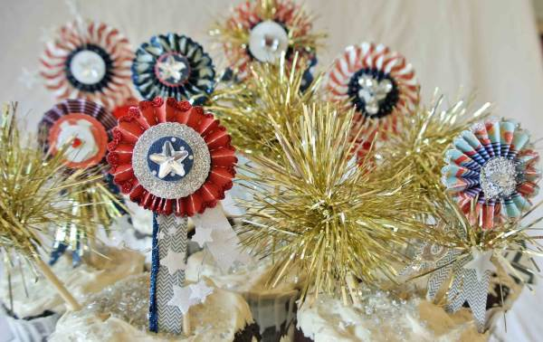Fourth of July sparkler toppers