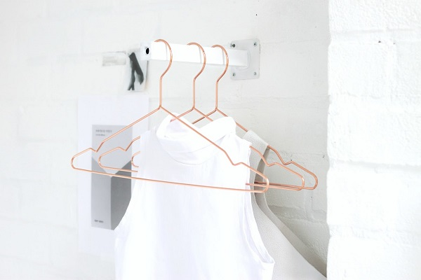 Front facing mini clothing rack