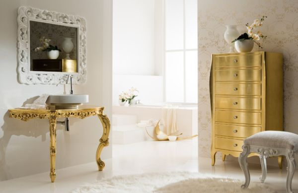 Glam table and chest of drawers in golden color