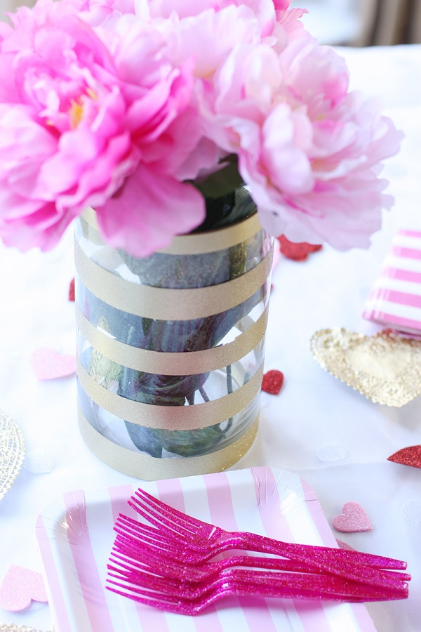 Glittery gold striped vase DIY