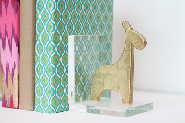 Gold giraffe bookend tutorial