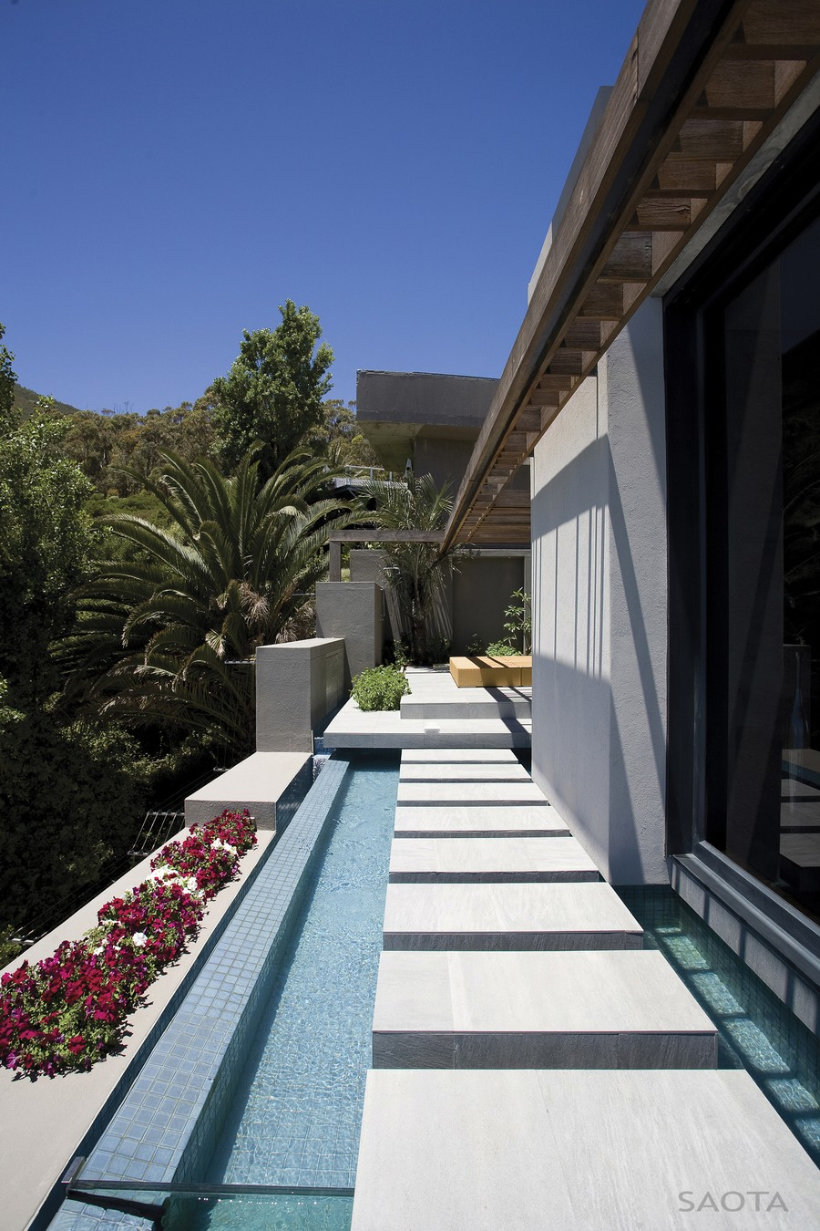 Green exterior of Cape Town Residence