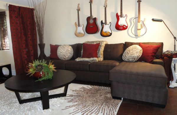 Guitars seem to be a crowd favorite when it comes to doubling up as stylish decor
