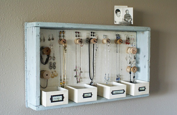Hanging dresser drawer jewelry organizer