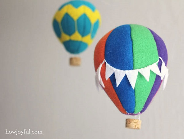 Hot air balloon mobile DIY DIY Baby Mobiles for a Playful Decor Addition