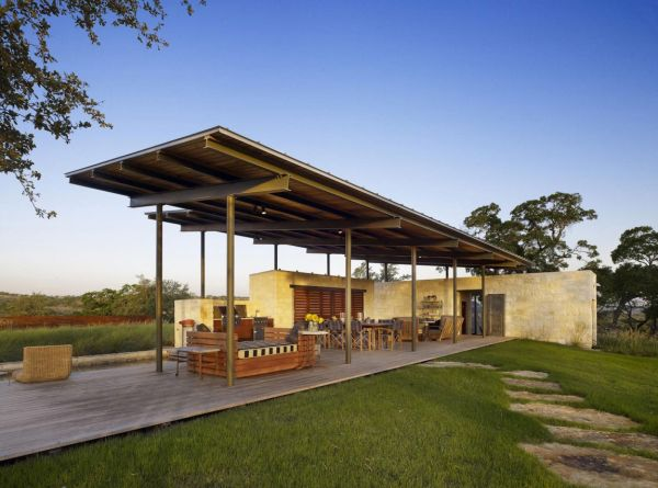 Lake Flato designed the home with limestone woode and steel Blurring Boundaries: Innovative Texas Home Is Truly One With Nature!