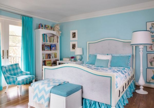 Light blue and white make a lovely and soothing combination