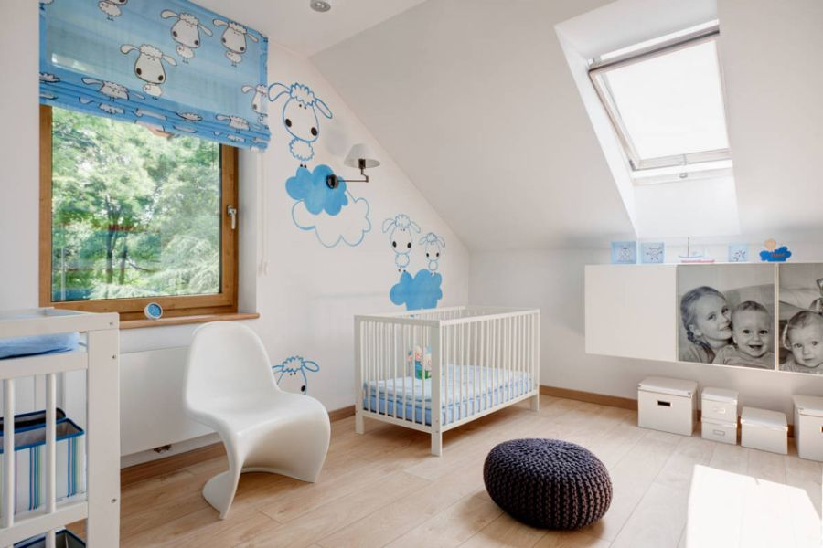 Lovely nursery in white and blue