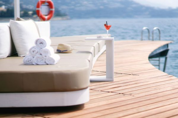 Luxurious floating beach bar provides beautiful sea views