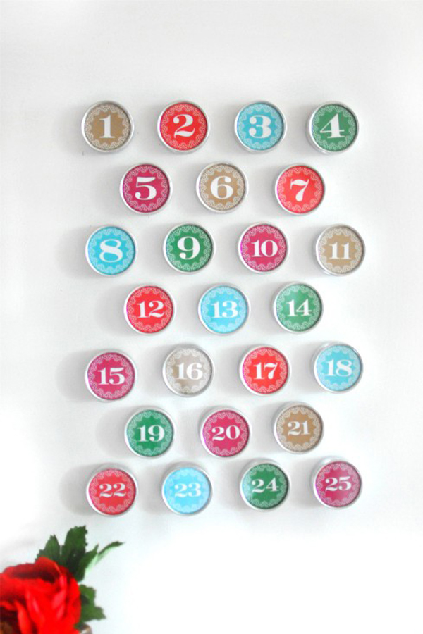 Magnetic wall calendar DIY