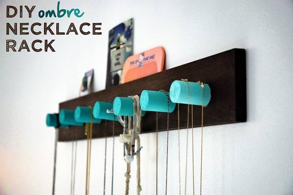 Ombre wooden peg necklace holder