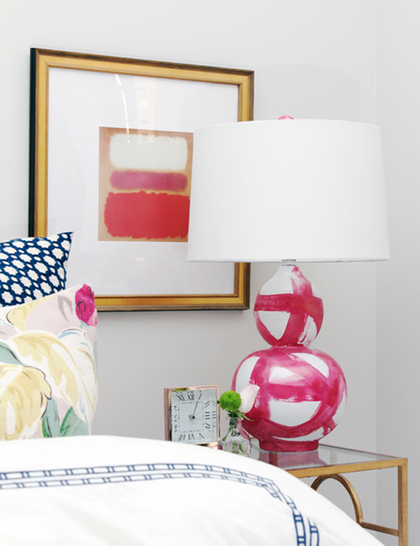 Pink and white brushstroke lamp base