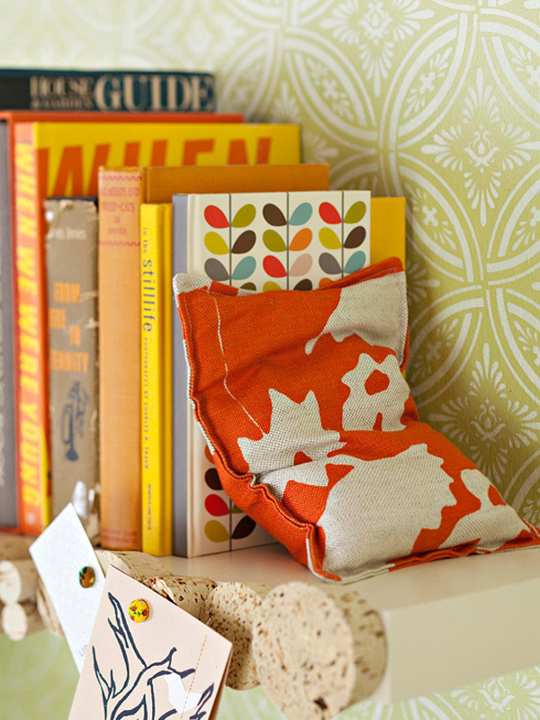 Printed fabric bookend