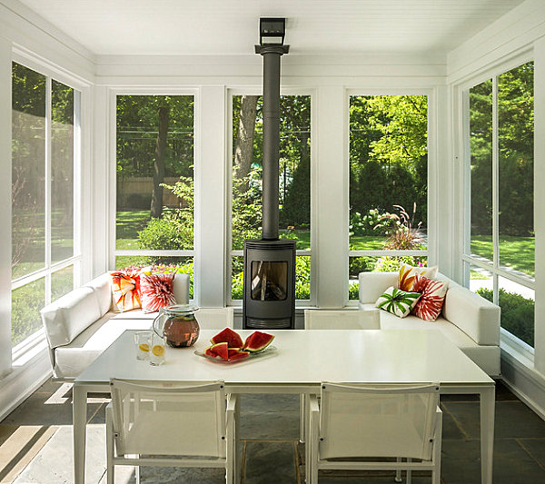 Refreshing white sunroom