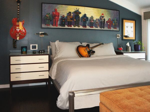 Rock-n-Roll themed bedroom for those who prefer melodious dreams!