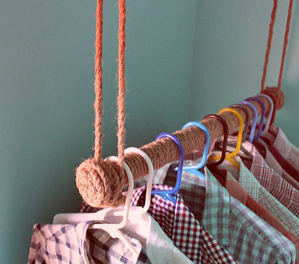 Rope wrapped clothing rack