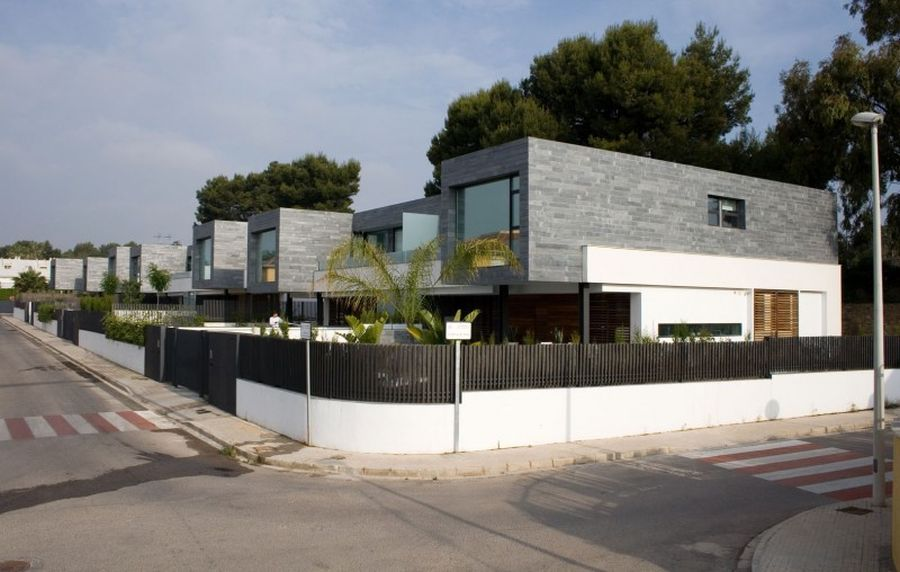 Six Semi detached modern homes in Valencia, Spain