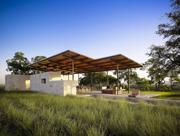 Story Pool House in Center Point Texas Blurring Boundaries: Innovative Texas Home Is Truly One With Nature!