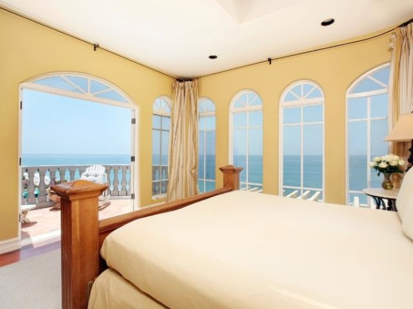Wonderful bedroom view made easy on the eyes by high tech film