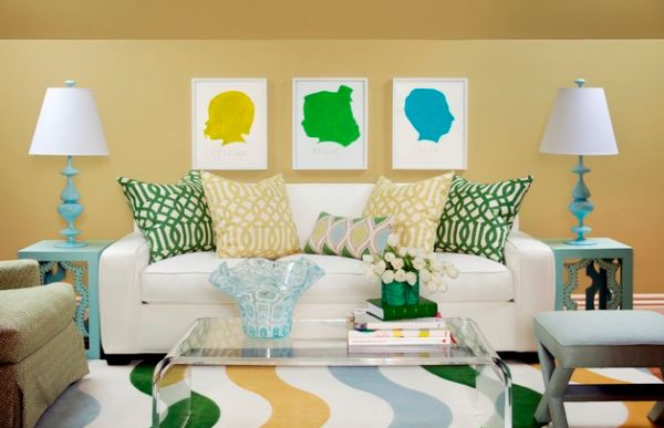 Throw pillows in chic print bring in the colors of the season