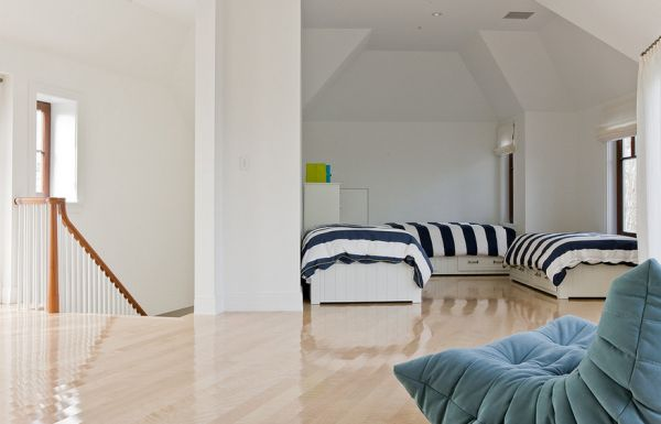 Touch of exquisiteness in the bedroom with the Togo in the corner