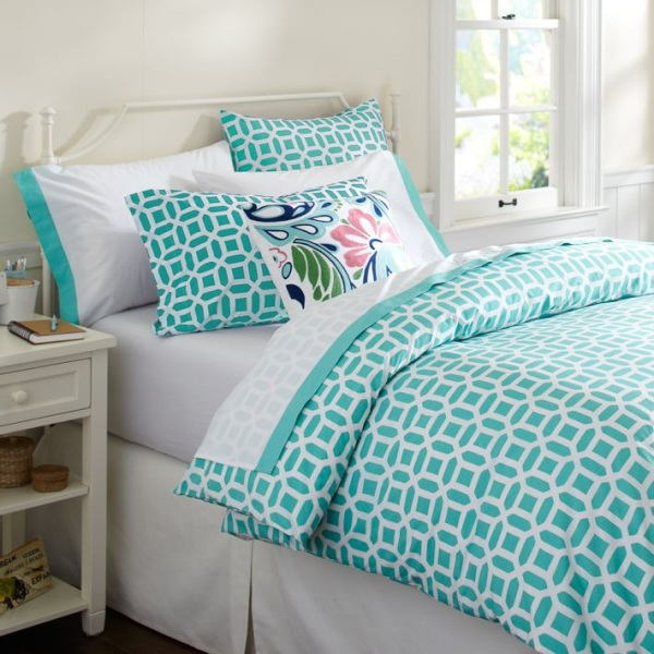 Touch of geometric variation makes a bold visual impact Trendy Teen Girls Bedding Ideas With A Contemporary Vibe