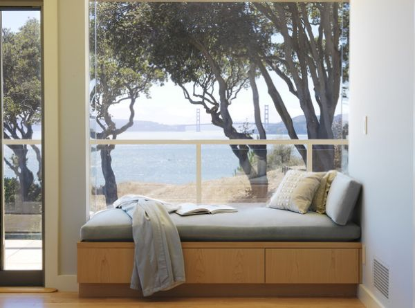 View of the Golden Gate Bridge - Perfect nook for the daybed!